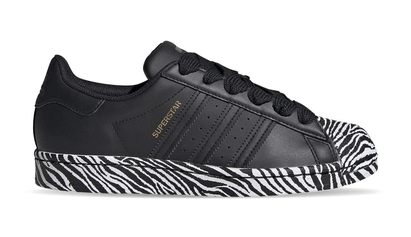adidas Superstar w čierne FV3448 - vyskúšajte osobne v obchode