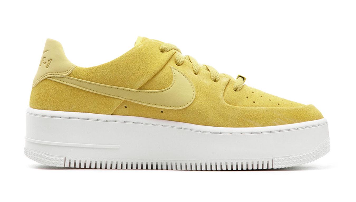 Nike W Air Force 1 Sage Low žlté AR5339-300 - vyskúšajte osobne v obchode