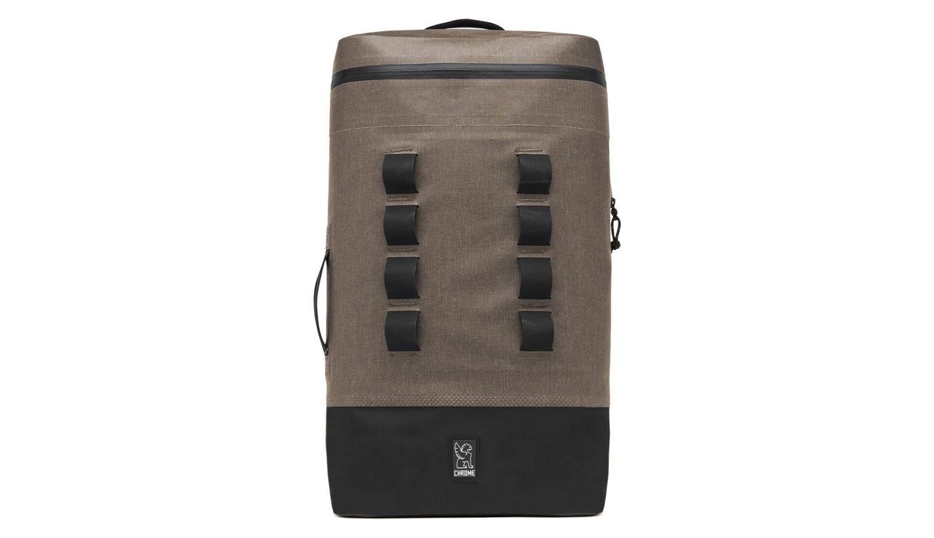 Chrome Industries Urban Ex Gas Can 22L Backpack hnedé BG-254-KHBK - vyskúšajte osobne v obchode