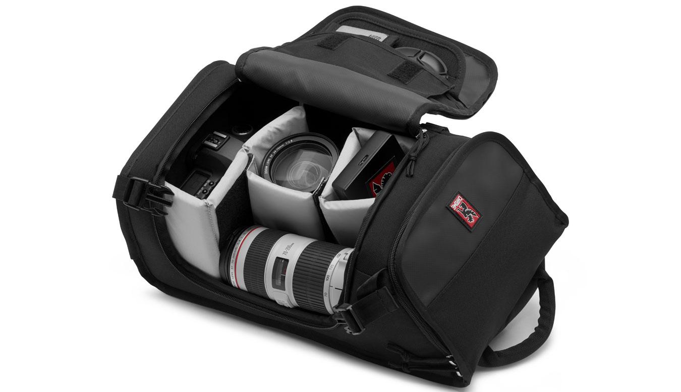 Chrome Niko Camera Messenger Bag čierne BG-134-BKBK - vyskúšajte osobne v obchode