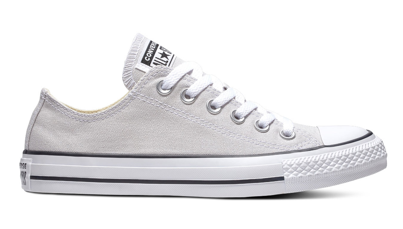 1aef6fd74a Converse Chuck Taylor All Star Classic Low Top