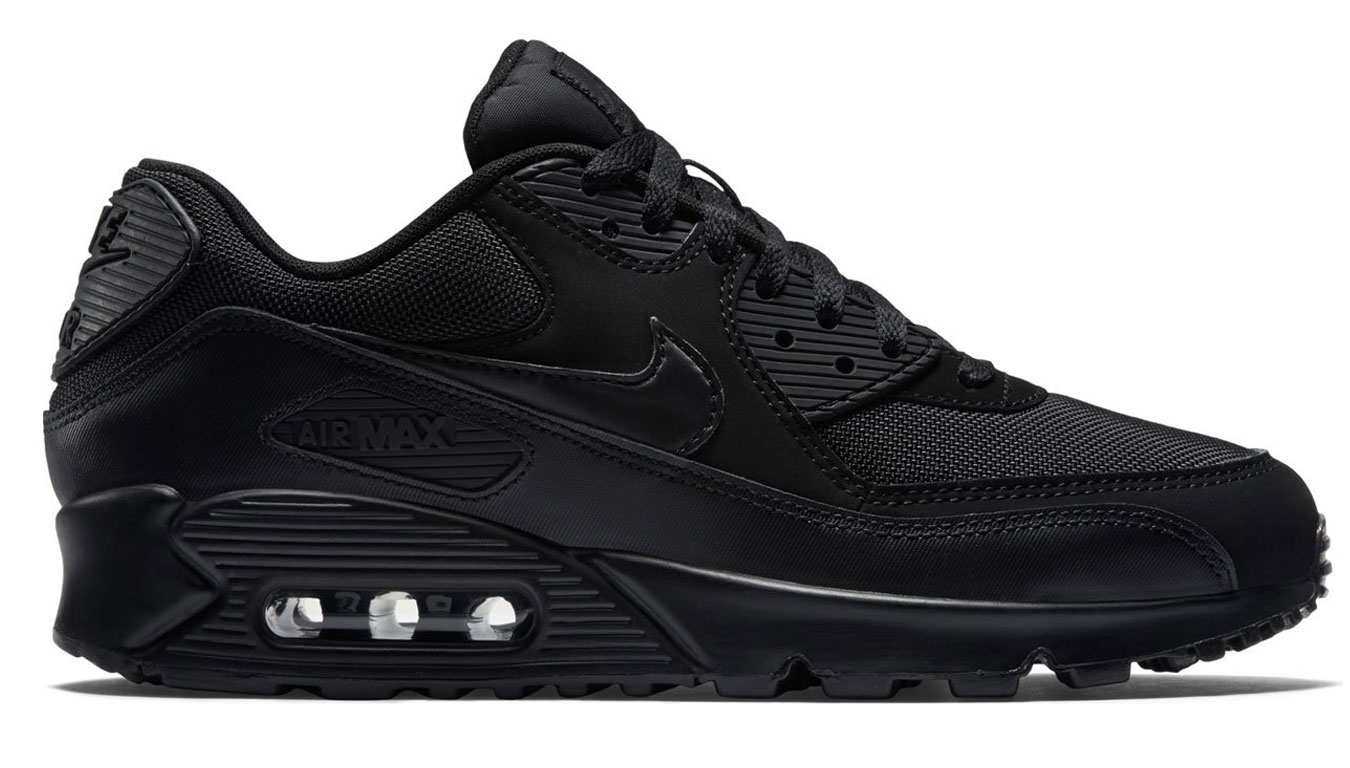 Nike Air Max 90 Essential Triple Black čierne 537384-090 - vyskúšajte osobne v obchode