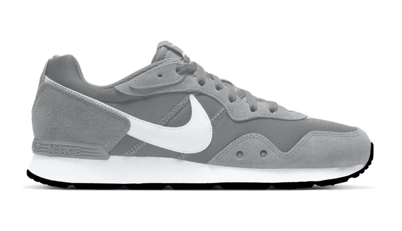 Nike Venture Runner šedé CK2944-003 - vyskúšajte osobne v obchode